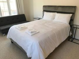 Hotel photo: Superb Brand New Spacious Town Home