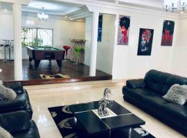 Hotel kuvat: Spacious modern apartment perfect for long term stays