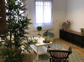 Hotel fotografie: Espacioso Duplex-Madrid Rio-4habitaciones-3baños-Calefacción-WIFI