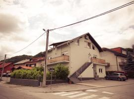 Hotel photo: Rooms Medved