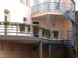 Hotel photo: Garni Hotel Cibalia