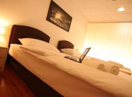 Hotel photo: Rooms XXL