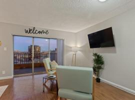 Hotel photo: Brand New Downtown Studio with River Views