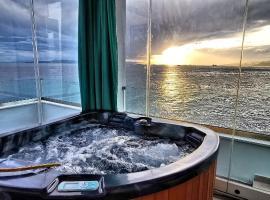 Hotel photo: Sky&Sea.Luxury Loft Suite