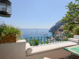 Hotel photo: Positano Villa Sleeps 8 with Air Con and WiFi