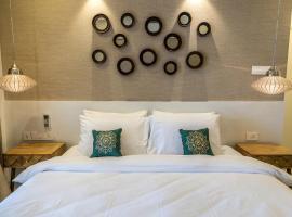 호텔 사진: Families & Corporates 3-Bed Apt, Fashion Res, Pune
