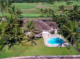 Hotel photo: Honu Lani - Oceanfront Home with Pool and Amazing Views!