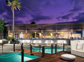 Foto di Hotel: Boutique Hotel H10 White Suites - Adults Only