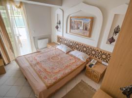 Fotos de Hotel: sahebettabeaa