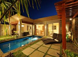A picture of the hotel: Athena Villas by Evaco Holiday Resorts