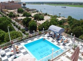 Hotel photo: New Pola Hotel