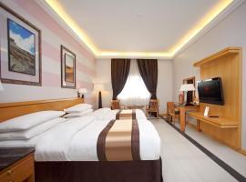 A picture of the hotel: Ramada Qurum Beach Hotel