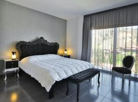 Hotel photo: Crystal Hotel