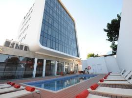 Hotel near Huambo