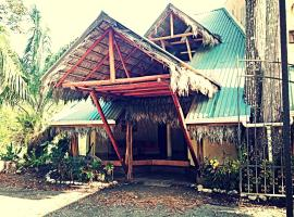 Hotel Photo: Palapa Hut Hostel & Camping