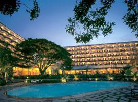 Hotel near インド