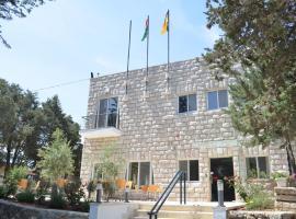 Hotel near Palestine
