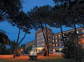 Hotel Photo: Ele Green Park Hotel Pamphili
