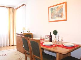 Foto di Hotel: Sunny and Beautiful Apartment