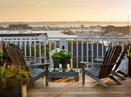 Hotel photo: The Vanderbilt - Auberge Resorts Collection