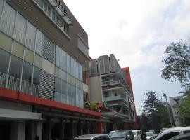 Foto di Hotel: Anggrek Shopping Hotel