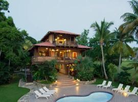 Hotel photo: Tres Palmas Inn and Villas
