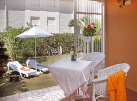 Hotel Photo: Casa adosada en Golf Platja de Pals