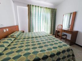 Hotel photo: Hostal Lido