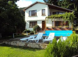 Hotel Photo: House Mirlevi