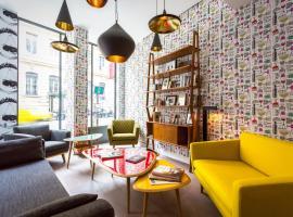 Hotel photo: Hôtel Crayon Rouge by Elegancia