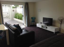 Hotel near 新普利茅斯