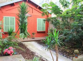 Hotel photo: Riviera home - Little Red House
