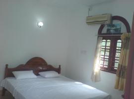 A picture of the hotel: Ravina Home - Hikkaduwa