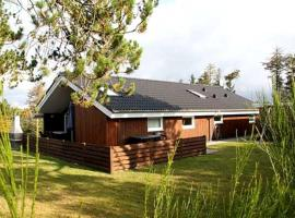 A picture of the hotel: Holiday home Kragevænget A- 2461
