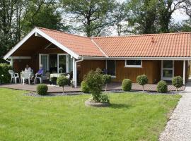 Hotel photo: Holiday home Strandløbervej E- 4569