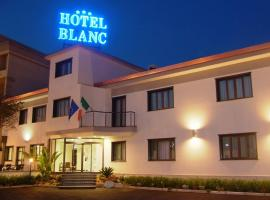 A picture of the hotel: Hotel Blanc