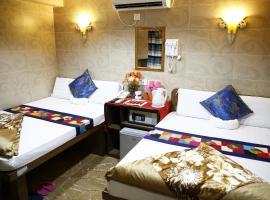 Фотография гостиницы: Sandhu Hotel