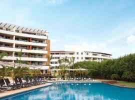 Foto di Hotel: Aak Bal All Suite Resort