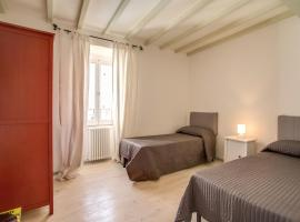Hotel Photo: Three Bedroom Apartment Campo dei Fiori