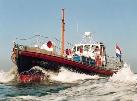 Hotel photo: Reddingsboot Harlingen Boat