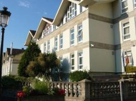 Hotel Photo: Hostal La Salle