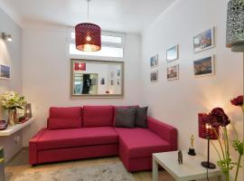 Hotel Photo: Feels Like Home Pink Terrace Flat
