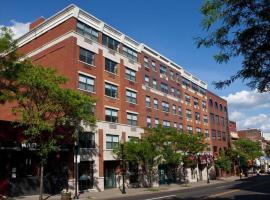 Hotel photo: Global Luxury Suites at Monroe