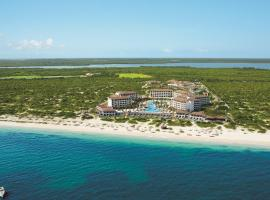 Hotel Photo: Secrets Playa Mujeres Golf & Spa Resort All Inclusive Adults Only
