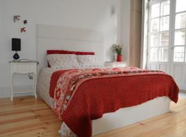 Hotel Photo: Oporto Almada 329