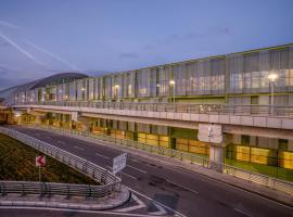 Hotel Foto: Tav Airport Hotel Izmir