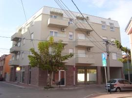 A picture of the hotel: Home Apartment