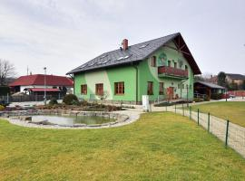 Hotel photo: Restaurace a penzion Kamenec