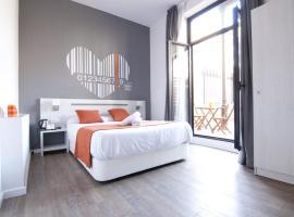 Hotel photo: Hostal Live Barcelona
