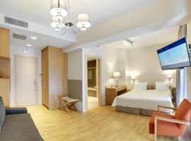A picture of the hotel: Phidias Piraeus Hotel